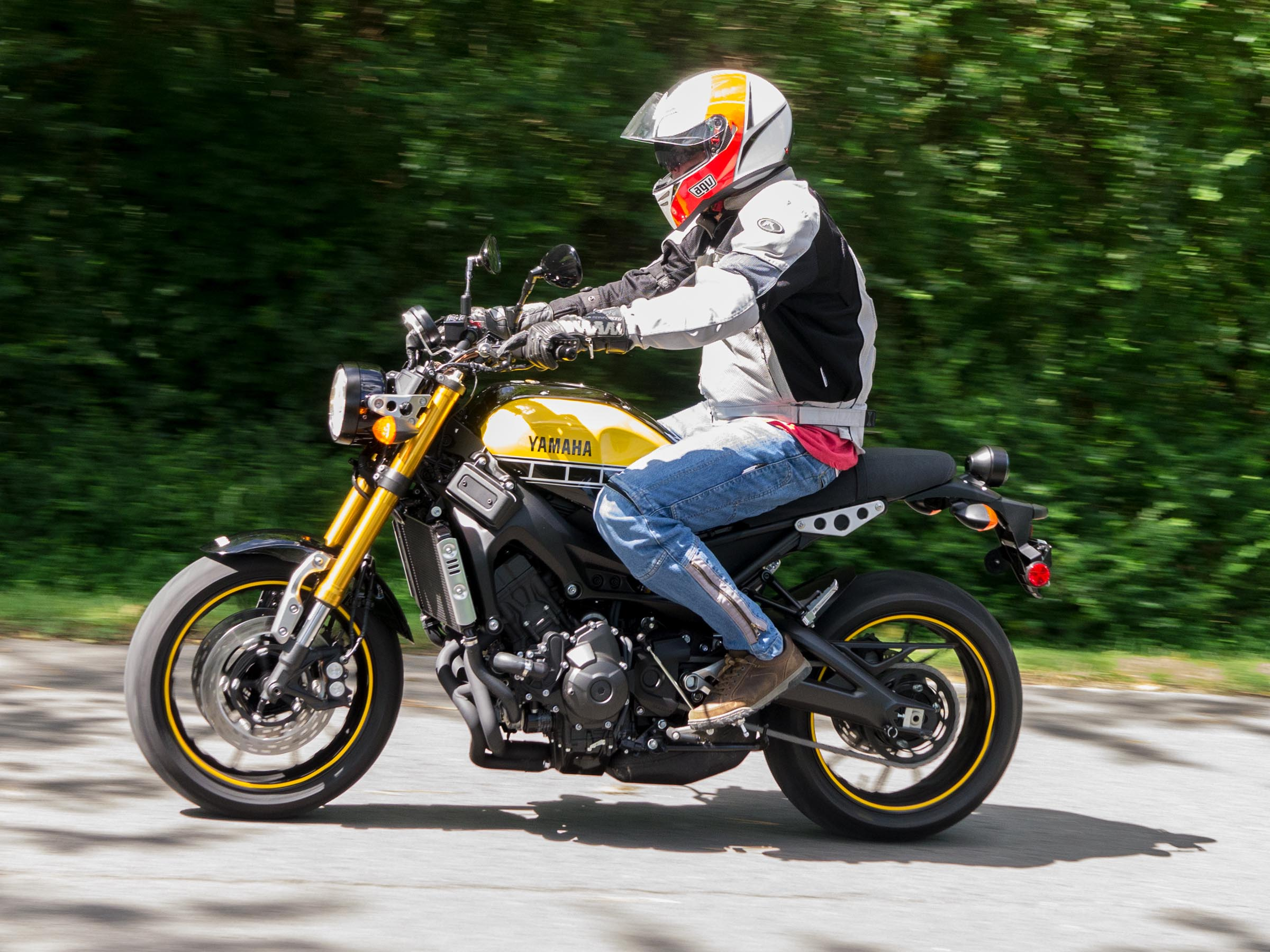 yamaha xsr 900 first impressions review wbw motorcycle words. Black Bedroom Furniture Sets. Home Design Ideas